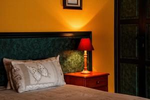 bedroom-462772_1280